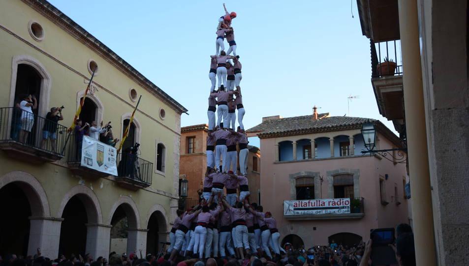 4de9f dels Xiquets de Tarragona a la Diada de les Cultures celebrada a la plaça del Pou.