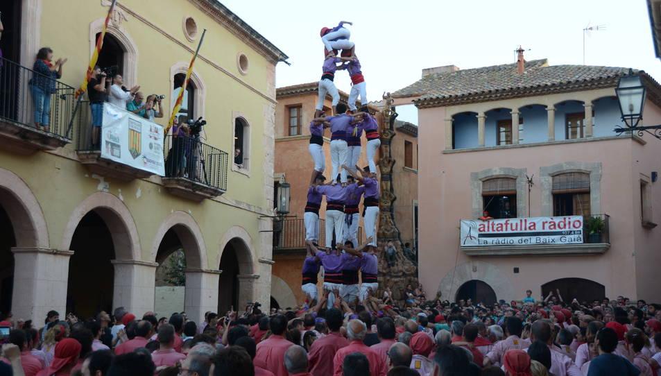 4de7 dels Castellers d'Altafulla a la Diada de les Cultures celebrada a la plaça del Pou.