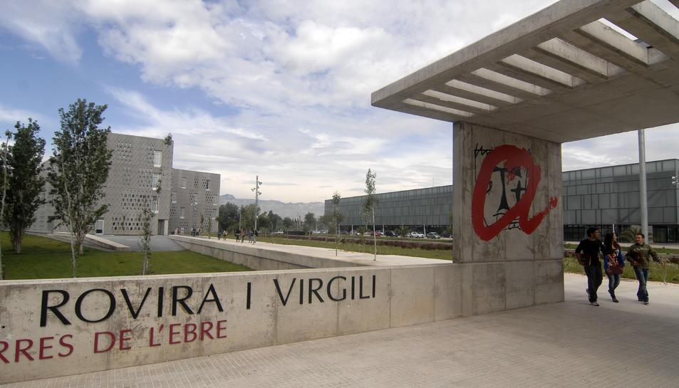 Imatge de l'exterior del Campus Ebre dela URV.