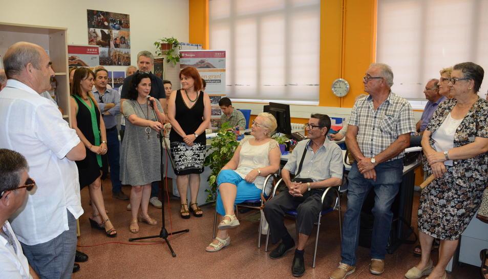 Un moment de l'acte d'inauguració de la Oficina d'Informació per a la Gent Gran.