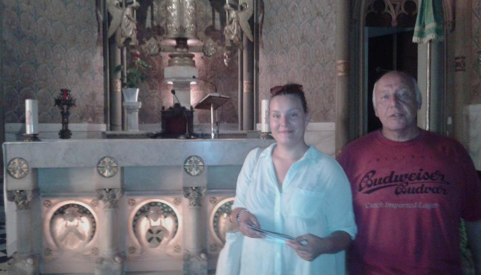 Paul i Jasmine Ball, ahir durant la visita que van fer a l'obra d'Antoni Gaudí a Tarragona.