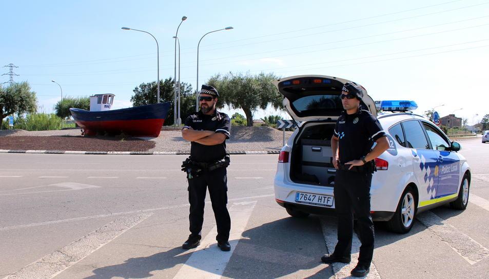 Dos policies locals d'Altafulla.