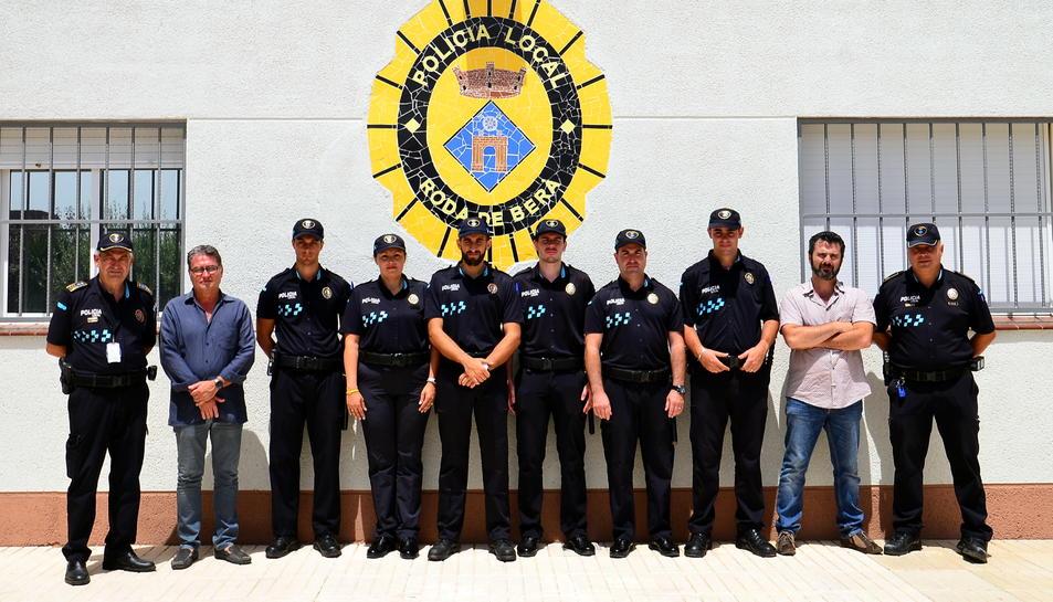 Els sis nous agents que reforçaran la Policia Local de Roda de Berà durant l'estiu han estat presentats aquest matí.