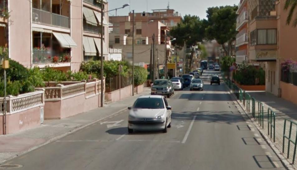 Imatge del carrer on estava estacionat el vehicle.