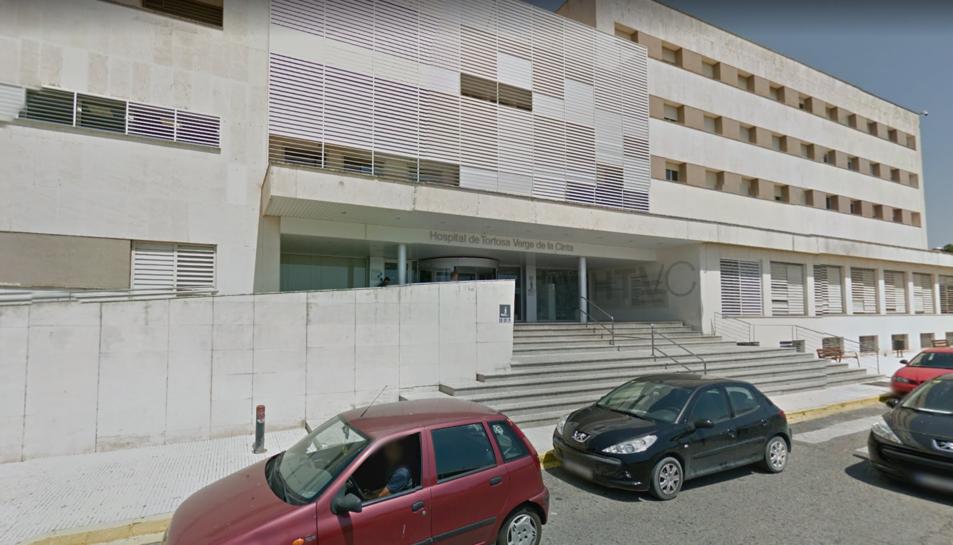 La façana de l'hospital Verge de la Cinta de Tortosa.