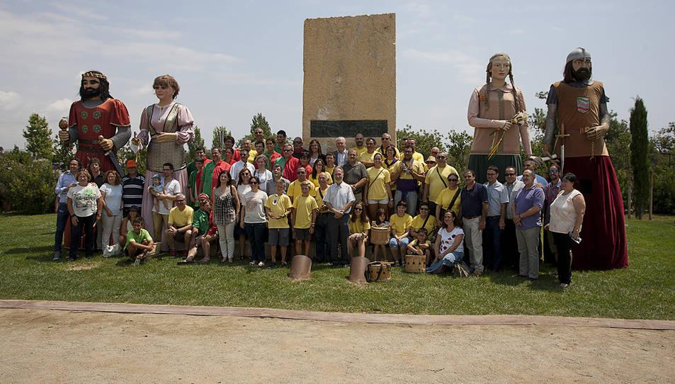 La inauguració del Piló del Rescat va comptar amb la participació dels gegants de Bagà i de Vila-seca.