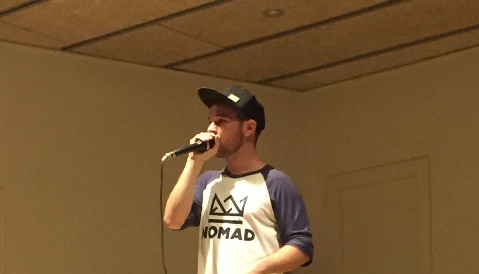 La programació es va iniciar amb una sessió de beatbox.