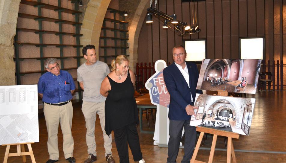 L'alcalde de Reus presentant el projecte de recuperació de l'edifici.