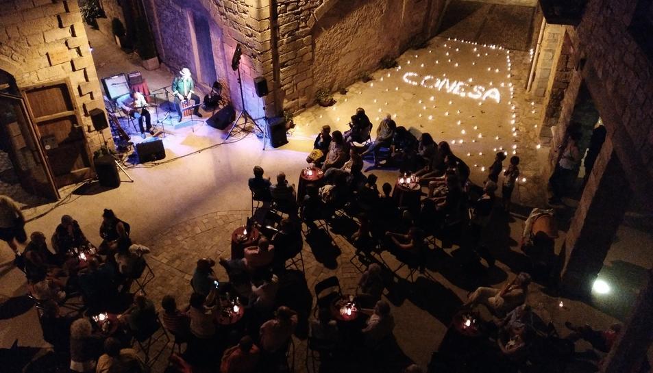 El concert de Joan Reig va protagonitzar la Nit de les Espelmes.