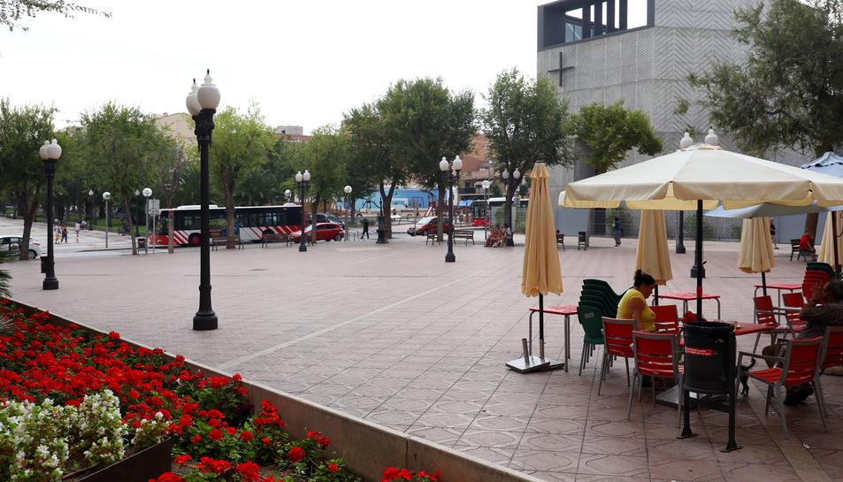 Imatge de la plaça de la Constitució de Bonavista, espai que acull la majoria dels actes de la festa major del barri.