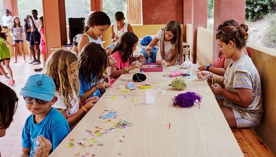 Les activitats estan promogudes per CaixaProinfància, un programa d'atenció a la infància en situació de pobresa i exclusió.