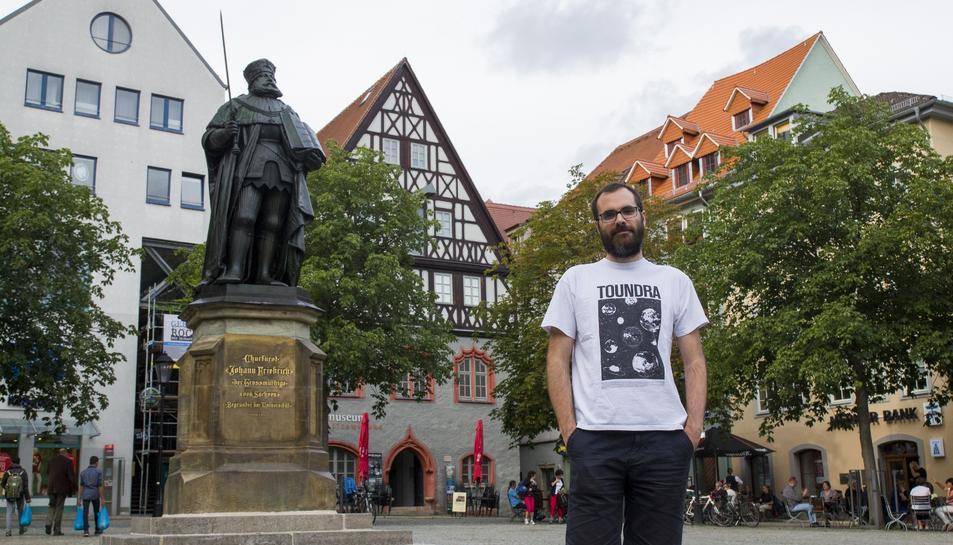 El reusenc Vicenç Torrent, en una plaça de Jena.