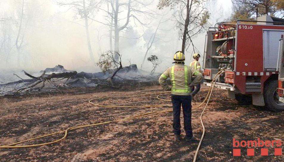 Imatge de l'incendi que aquest divendres ha afectat el terme de l'Espluga de Francolí.