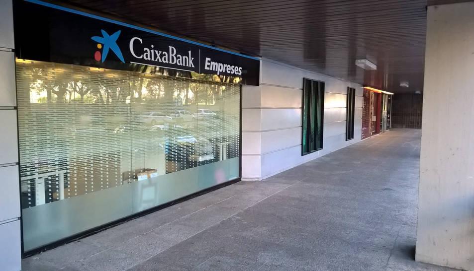 Caixabank té tres centres especialitzats en empreses a la demarcació, concretament a Tarragona, a Reus i a Tortosa.