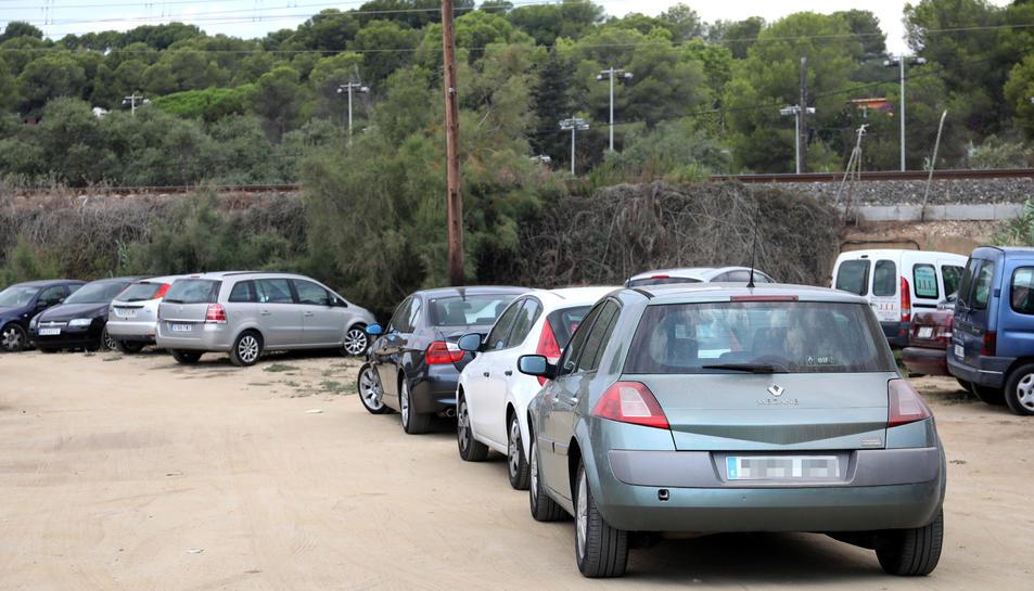 Imatge d'una de les zones d'aparcaments plena, realitzada ahir al matí en hora punta.
