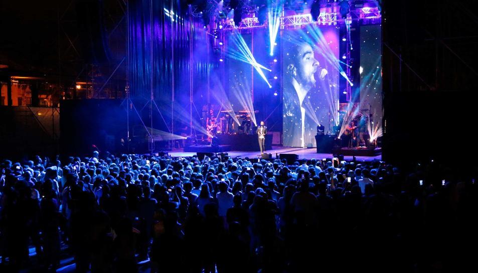 El cantant Luis Fonsi porta a Salou la cançó de l'estiu