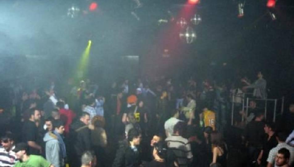 Una nit de festa a la discoteca P16 l'any 2009.