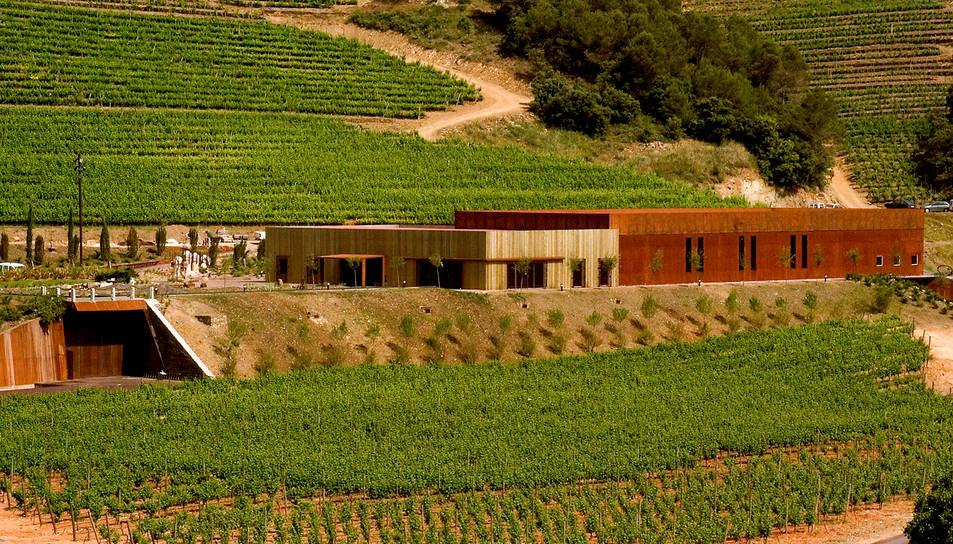 Els vins mediterranis de Perinet arribaran als cellers Alpha Omega i Tolosa.
