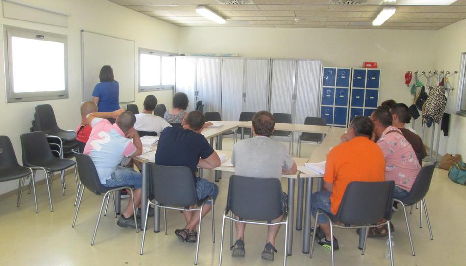 Una imatge de les instal·lacions on s'ofereixen coneixements i habilitats en diferents camps.