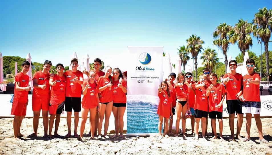 Els nens i joves participants al programa Olas Vivas.