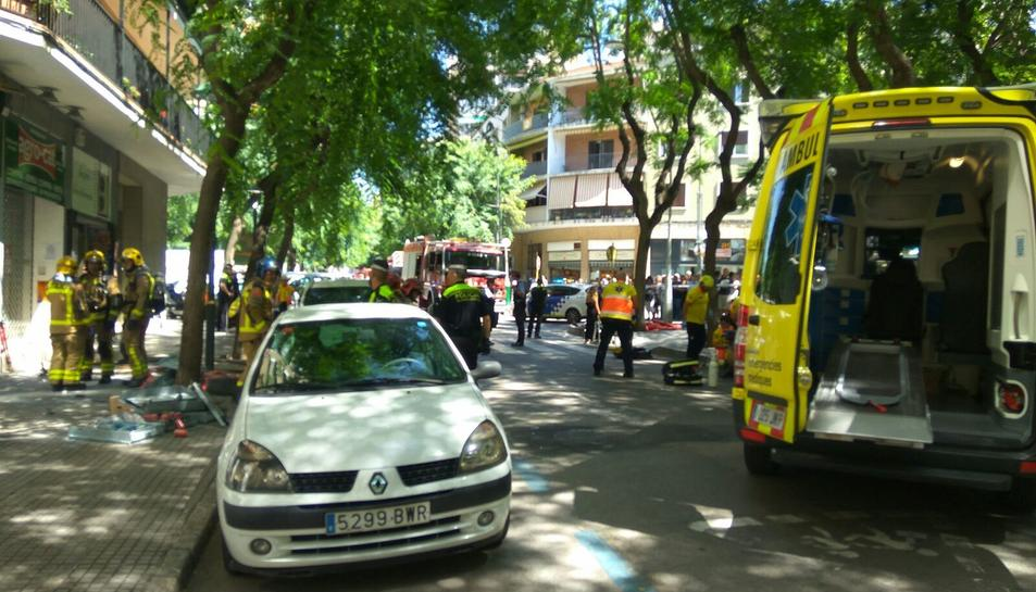 L'explosió ha mobilitzat diverses dotacions de bombers i del SEM.