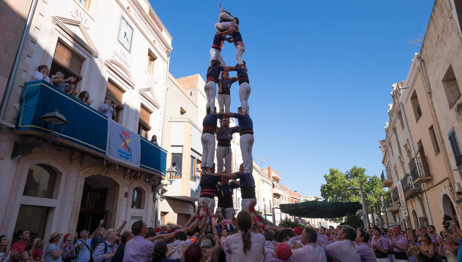 3de7 dels Xiquets del Serrallo a diada de la festa major de La Canonja.