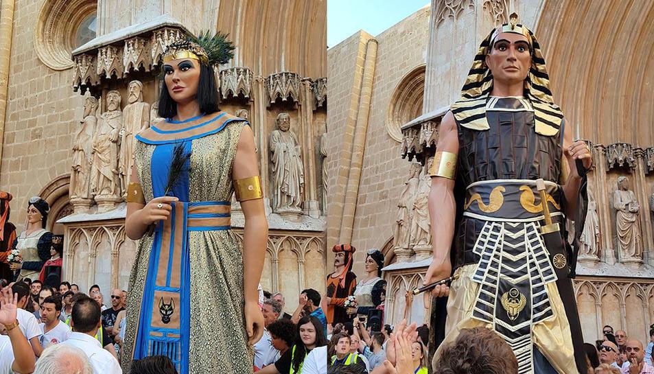 Els gegants Egipcis de Tarragona s'han presentat durant al Pla de la Seu.