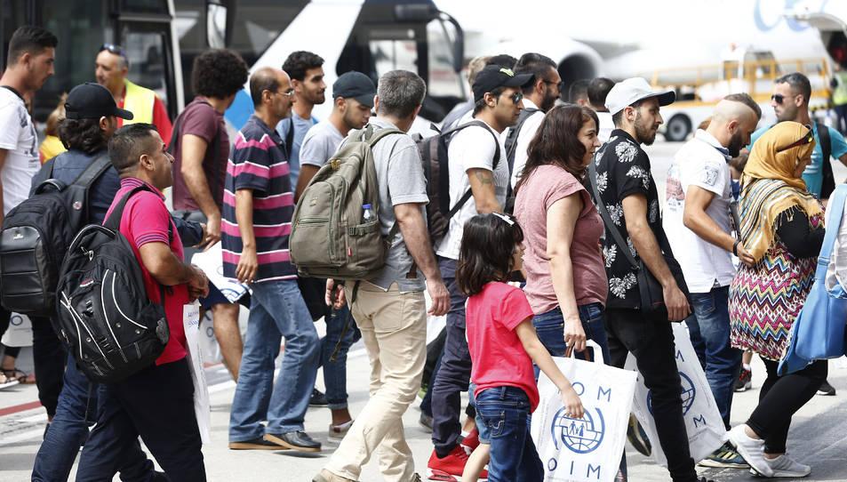 L'arribada dels refugiats a l'aeroport Adolfo Suárez Madrid-Barajas, aquest dimecres.