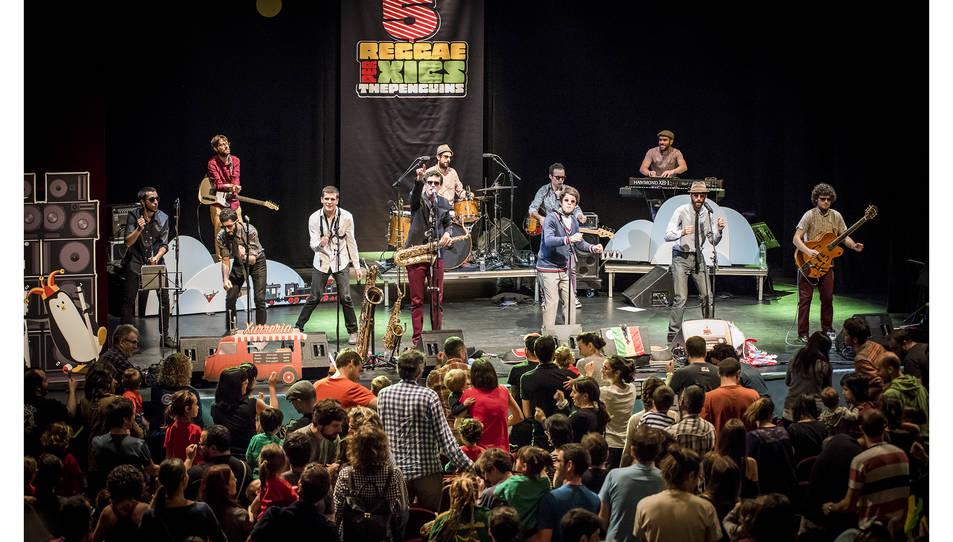 The Penguins presenten el seu nou espectacle '54-46' Reggae per Xics Ràdio a la Terrasseta.