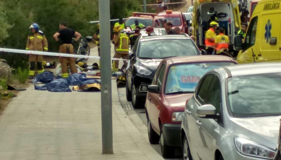 Mossos, Bombers i Policia Local han treballat a la zona.