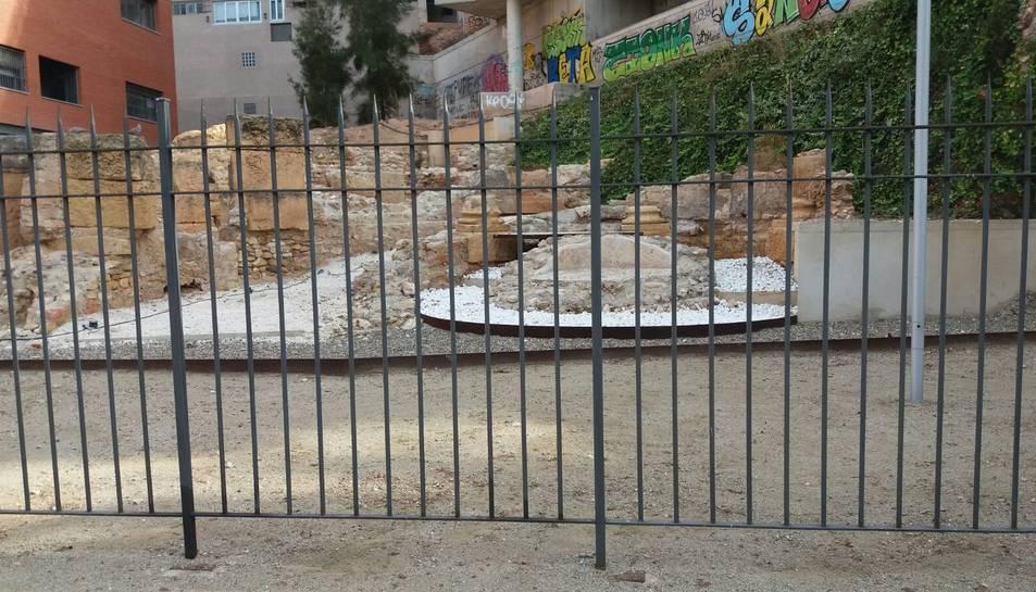 Les restes romanes en qüestió estan ubicades als Jardins Vapor.