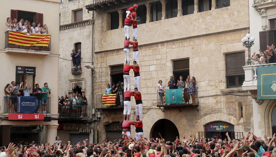2de8sf de la Colla Joves Xiquets de Valls per Sant Fèlix.