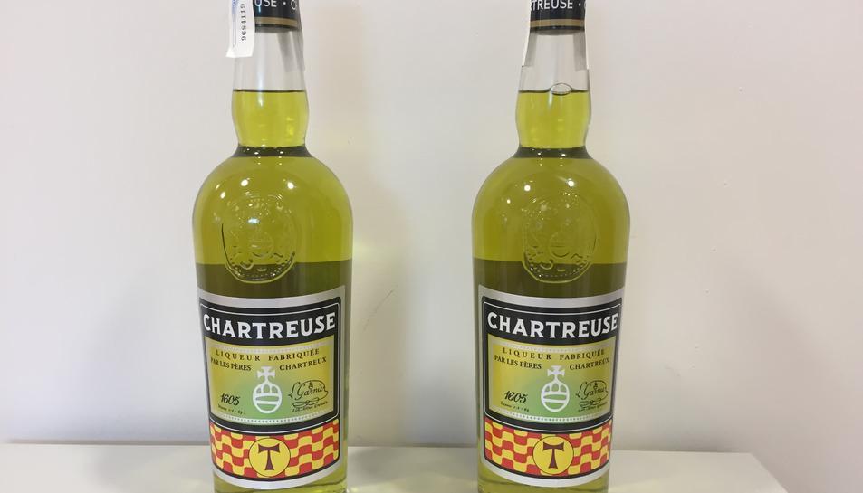 Imatge de la nova ampolla de Chartreuse de venda exclusiva a la ciutat de Tarragona.