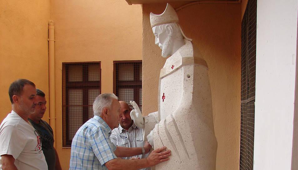L'estàtua del Bisbe Sant Fructuós ja està col·locada al pati del Museu Bíblic.