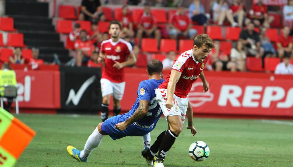 Juan Muñiz podria ser una de les novetats a l'onze, en perdre la titularitat després de la primera jornada.