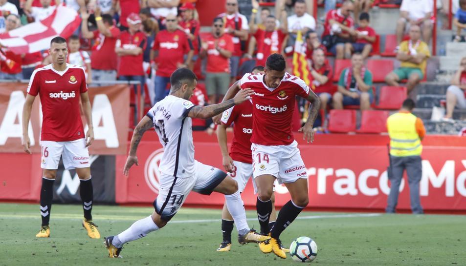 Imatge de Maikel Messa durant el partit contra l'Sporting de Gijón al Nou Estadi.
