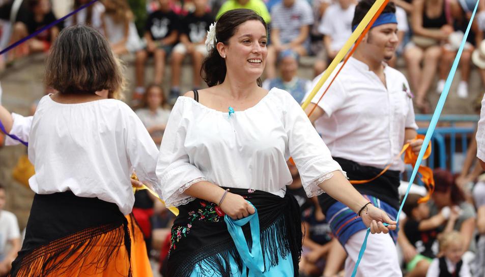 Ofrena floral i tanda de lluïment a la Festa Major de Torredembarra