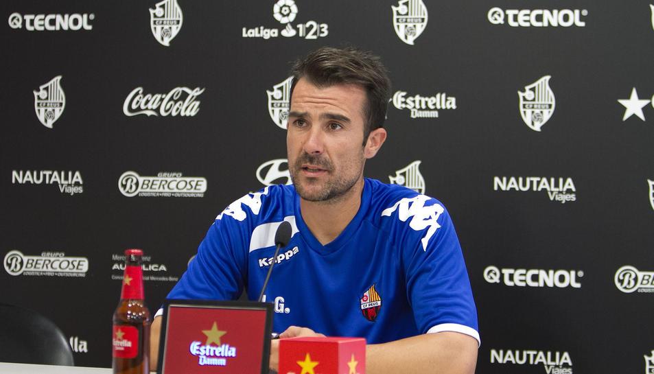 El tècnic roig-i-negre afirma que escollirà els jugadors «en base al que crec que és millor per guanyar».