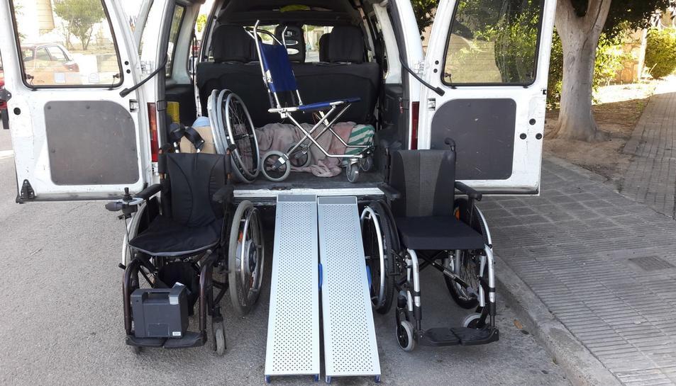 Manuel Savall també ha donat altres aparells ortopèdics, a més de la cadira.