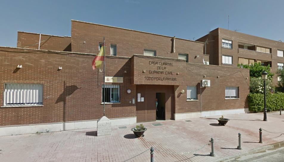 Imatge de la façana exterior de l'edifici de la Guàrdia Civil de Chiva.