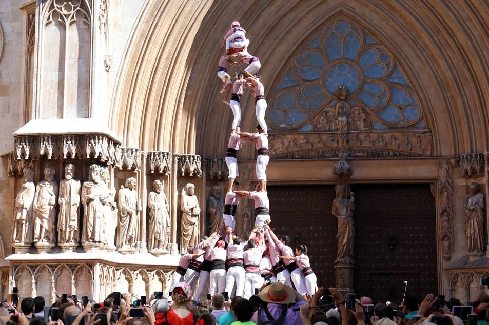 2de8f dels Xiquets de Tarragona a la diada de l'Onze de Setembre.