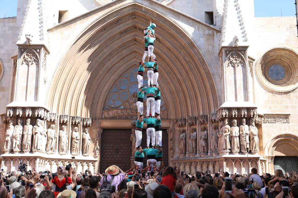 3de8 dels Castellers de Sant Pere i Sant Pau a la diada de l'Onze de Setembre.
