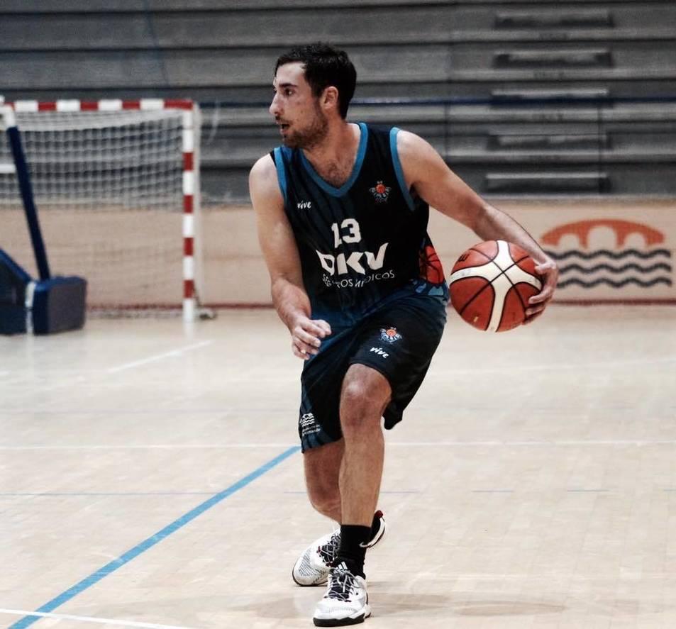 Daniel Tugores, amb la samarreta del seu darrer equip.