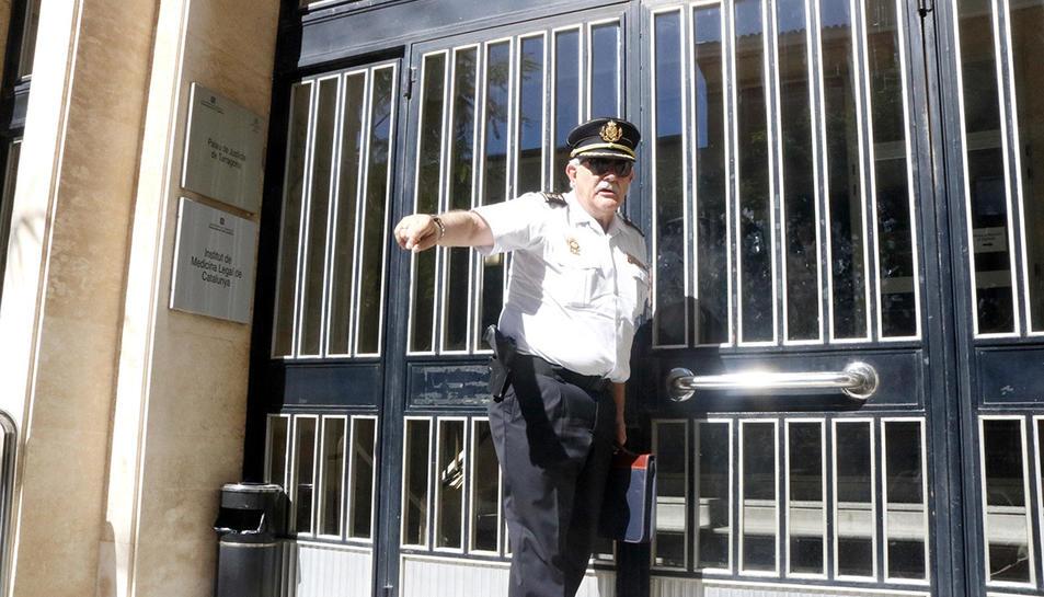 Carlos Yubero, comissari en cap de la policia espanyola a Tarragona, a les portes de l'Audiència provincial per reunir-se amb el fiscal en cap.