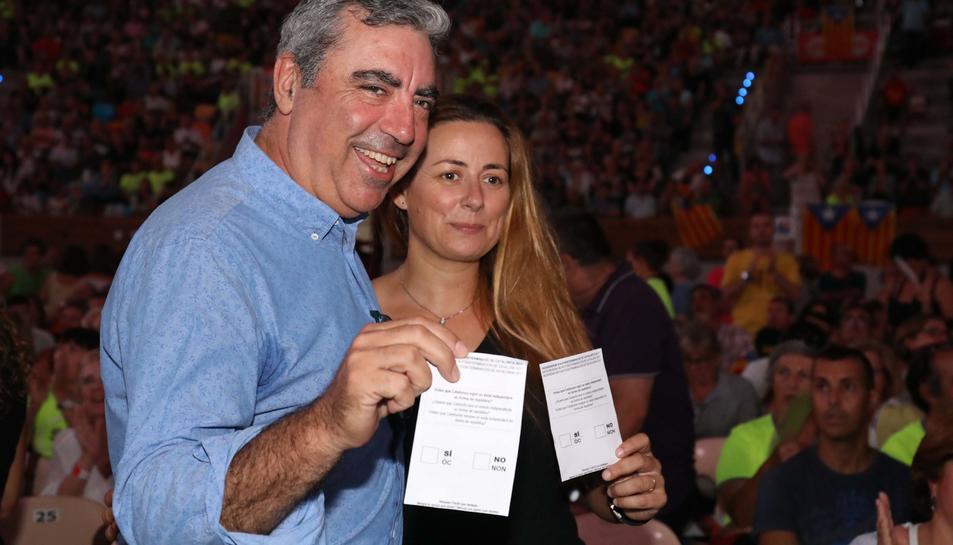 Imatges de l'acte de l'inici de campanya pel Sí al Referèndum de l'1-O a la Tàrraco Arena Plaça de Tarragona.