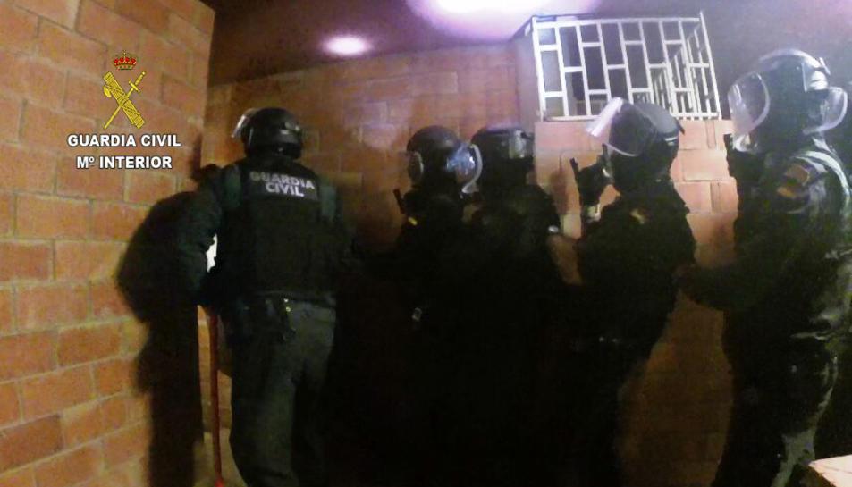 La Guàrdia Civil va realitzar ahir cinc entrades a Reus.