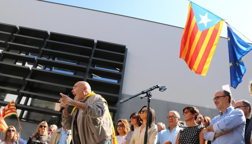 Intervenció de Jordi Romeva, membre de l'ANC i pare del conseller d'Exteriors, a la concentració de Tortosa, aquest 20 de setembre de 2017
