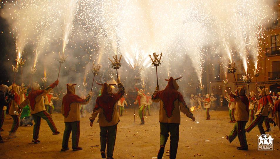 Imatge d'arxiu d'una actuació del Ball de Diables de Tarragona.