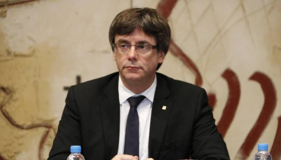 El president de la Generalitat, Carles Puigdemont, a la reunió del Consell Executiu extraordinària del Govern.