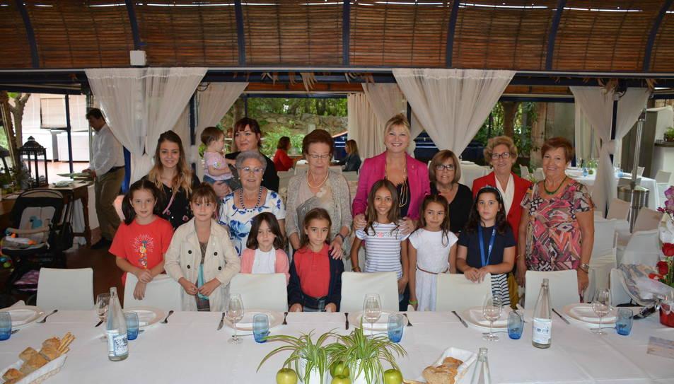 Fotografia de família del dinar de germanor.